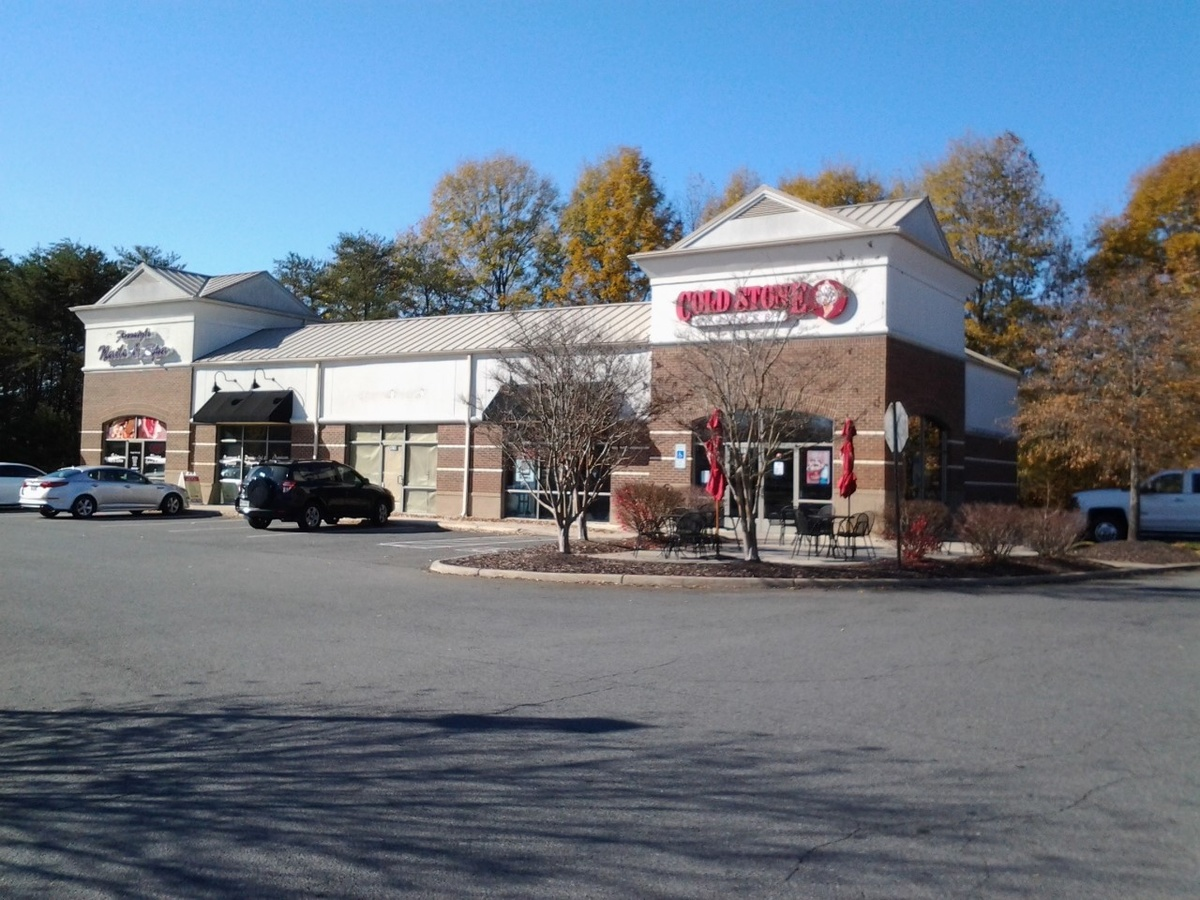 Southpoint II: 4,000 SF NNN Leased Retail Building